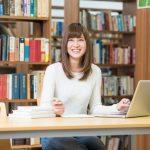 大学生の一人暮らしはいくらかかる?家賃の目安や支払い方
