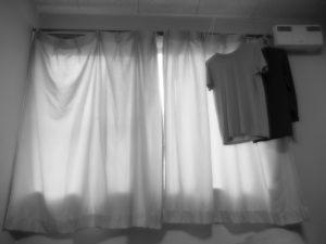 【一人暮らしに必要な家具5】カーテン