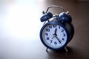 【男子大学生の一人暮らしに役立つアイテム9】大音量の目覚まし時計