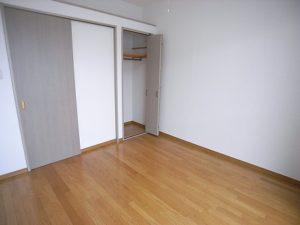新小平学生マンション室内